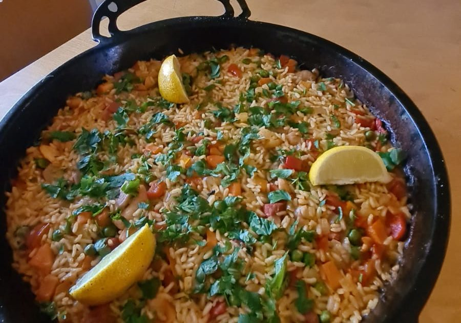 The finished product: a delicious pan of Chicken Paella